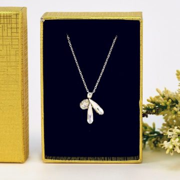 crystal pendant necklace 1