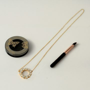 Circle necklace 3