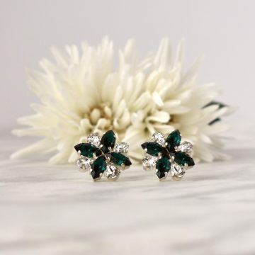 Green stud earrings 2